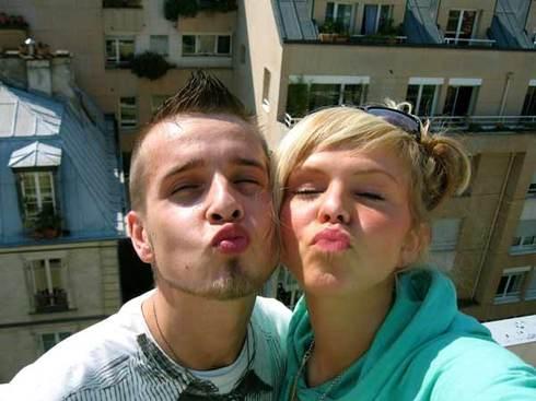 Paris_rooftop_kiss