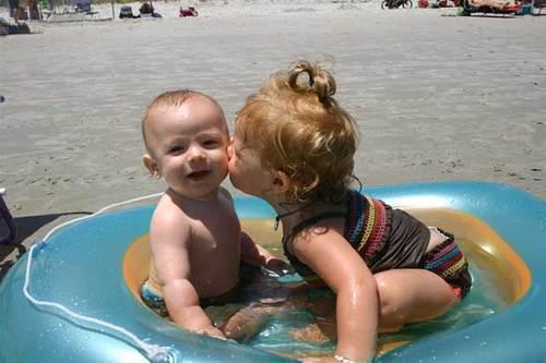 Pool_kisses