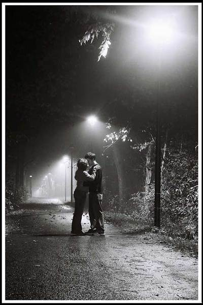 Kissing_in_the_fog