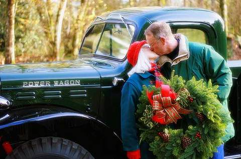 A_christmas_kiss_is_timeles