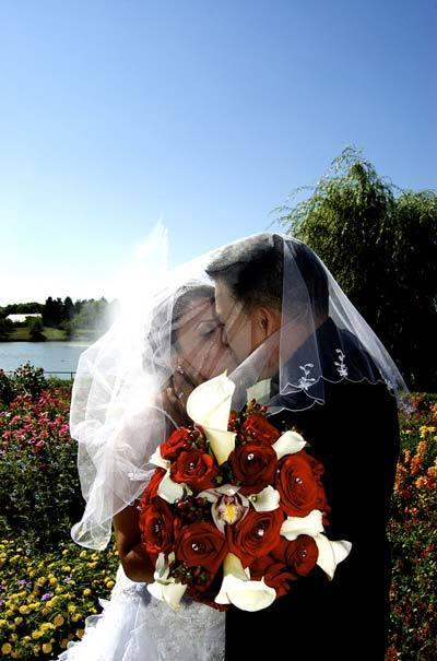 Veiled_kiss